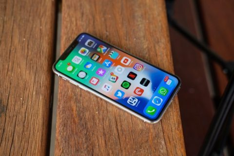 Apple apple iphone Xs, apple iphone Xs Max and also apple iphone Xr still detach (option)