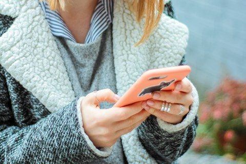 POF alerts one more customer when you take a screenshot?