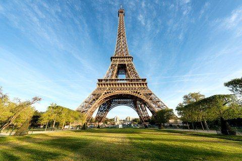 Paris Titles – Scenic Tour of France through Instagram
